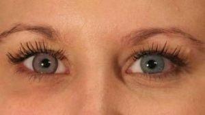 LD2PI pink kontaktlinse i blåligt øje